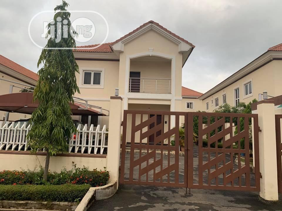 4 Bedroom Duplex With 2 Rooms Bq And Study