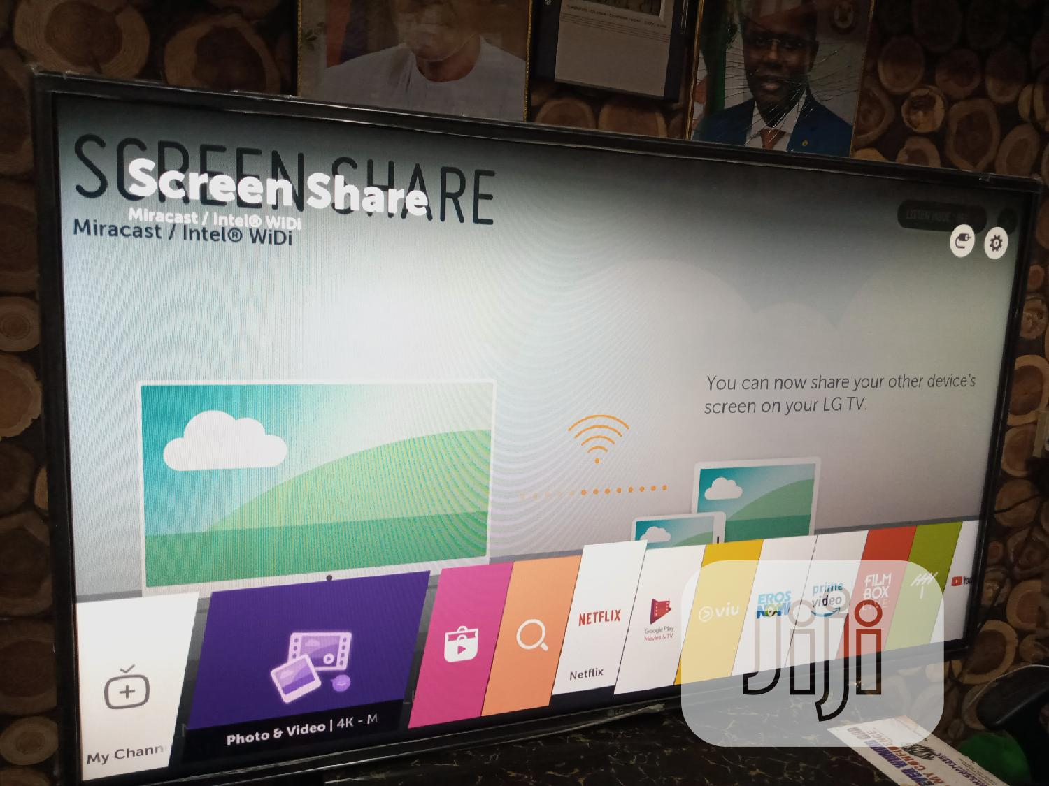 UK Fairly Used 43 Inches LG FULL HD Smart Tv With Mirror Share | TV & DVD Equipment for sale in Ikeja, Lagos State, Nigeria