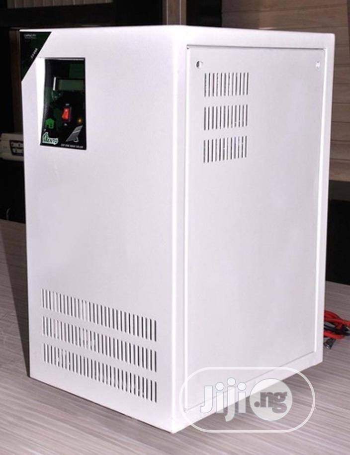 Lento 7.5 KVA 120V Hybrid Solar Inverter