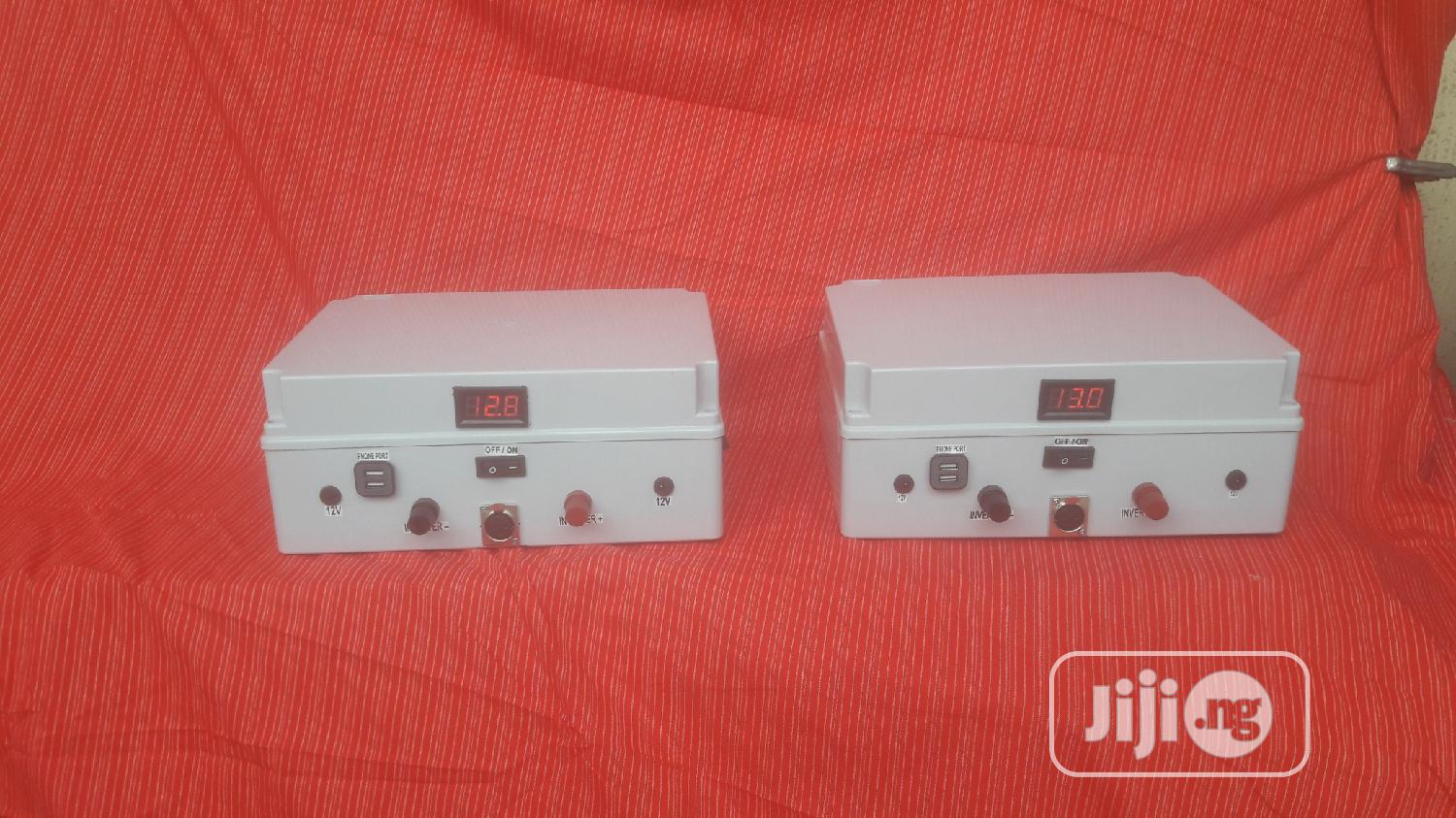 Superb Lithium Lifepo4 Battery With Solar And Inverter 400wh