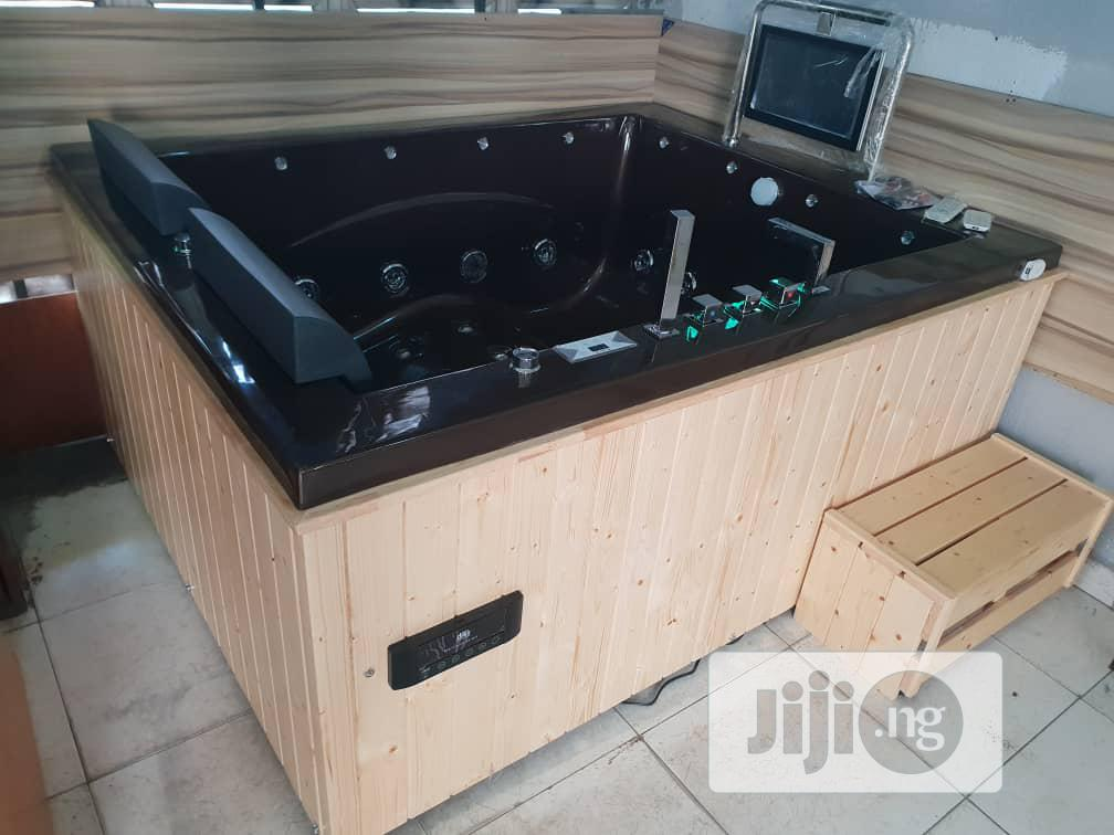 Biggest Jacuzzi With 3 Machines And All The Fittings