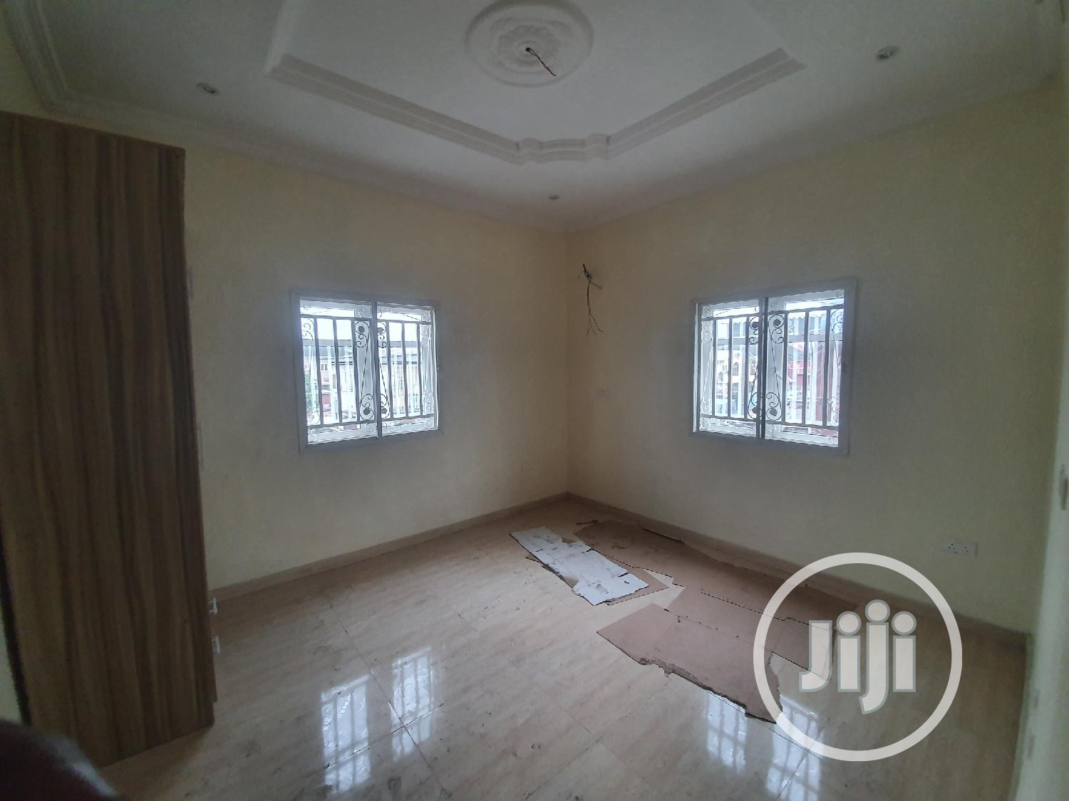 New Standard 3 Bedroom Flat | Houses & Apartments For Rent for sale in Surulere, Lagos State, Nigeria
