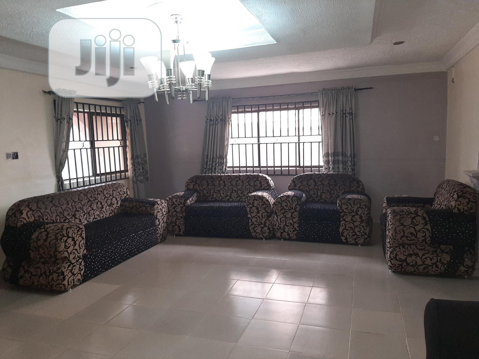 Complete Set Of Living Room Sofa Chairs