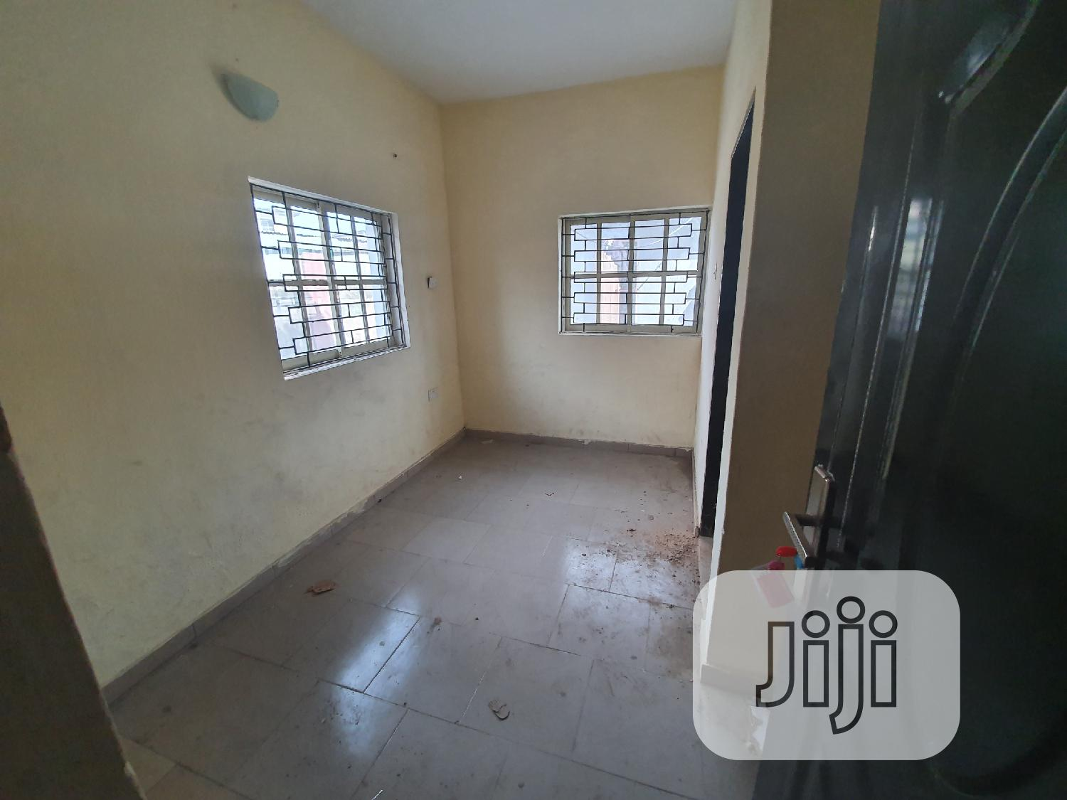 Archive: Renovated 3 Bedroom Flat Newly