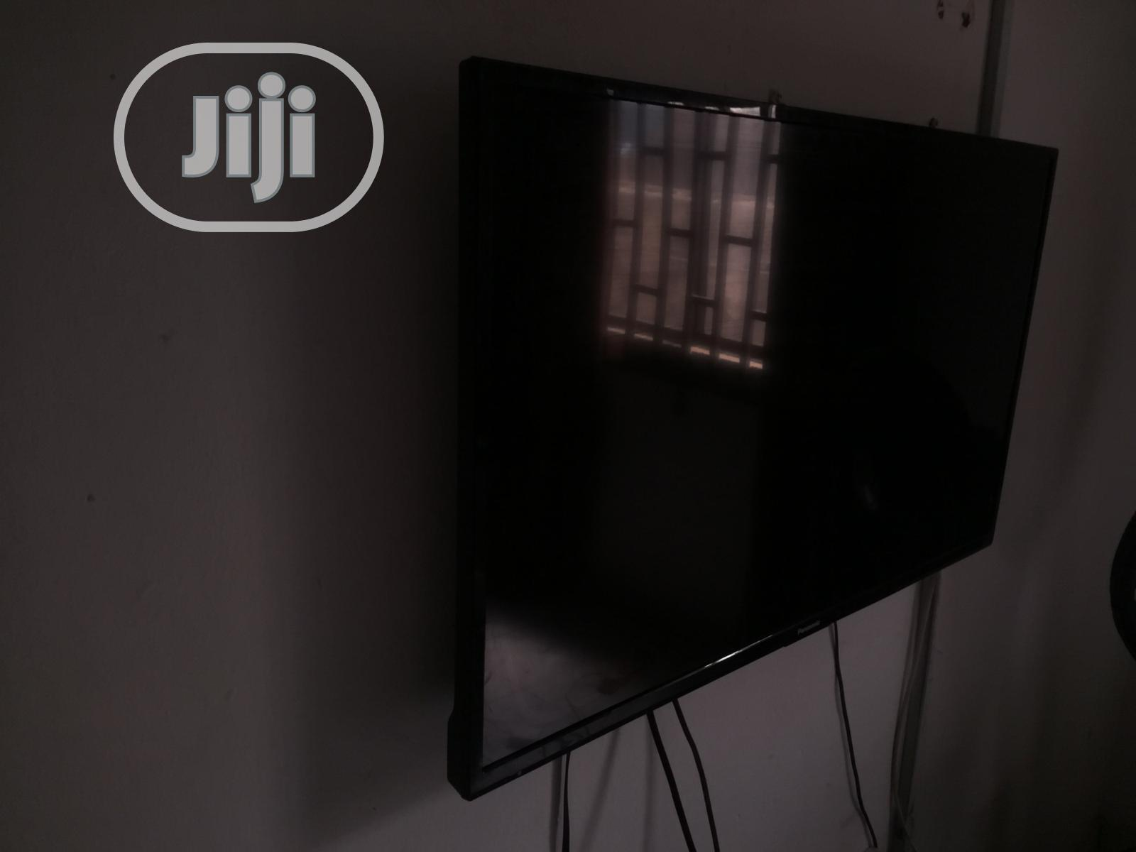 Archive: 36-Inch LED Panasonic TV
