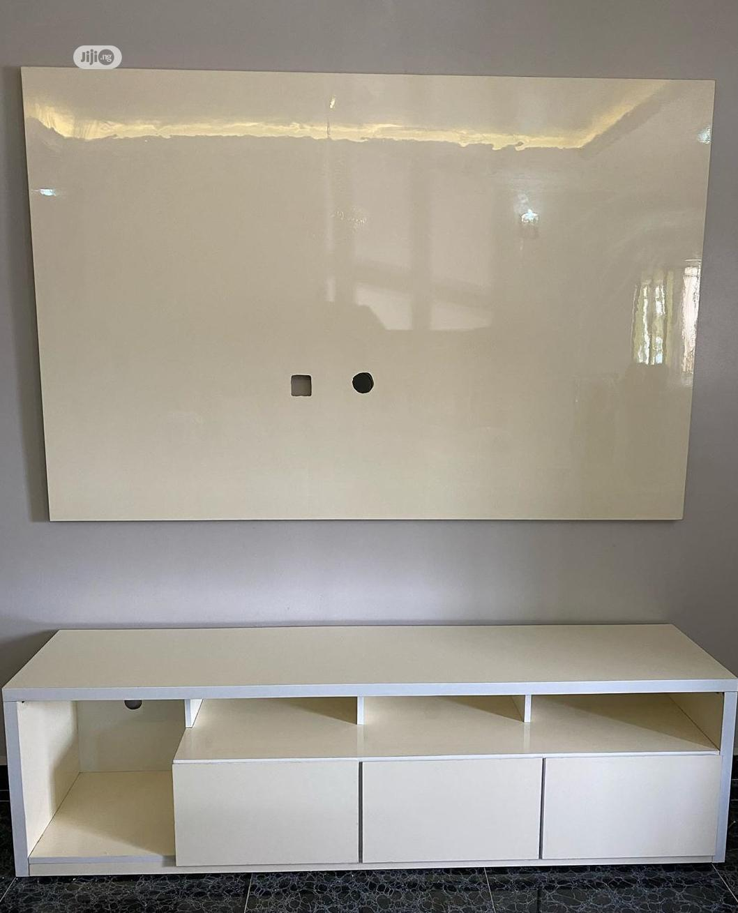 Hi-gloss TV Unit , TV Console, Bespoke Furniture | Building & Trades Services for sale in Ikeja, Lagos State, Nigeria