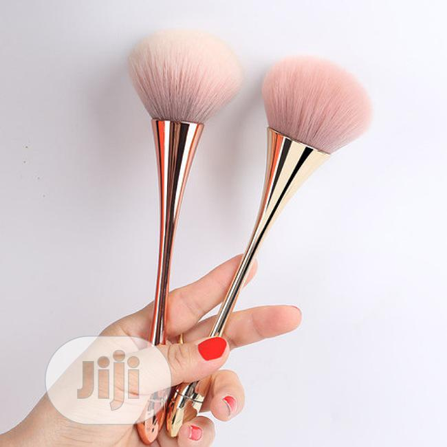 Archive: Electroplated Skin Powder Brush