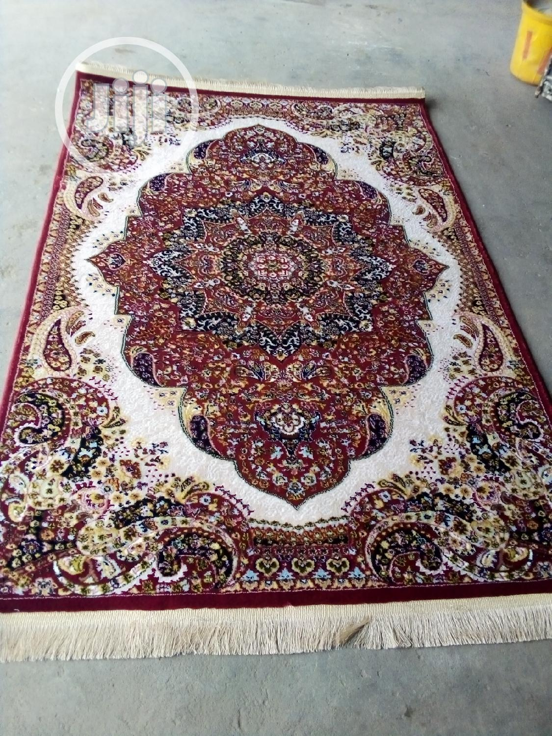 Unique 4by6 Indian/Arabic Center Rug