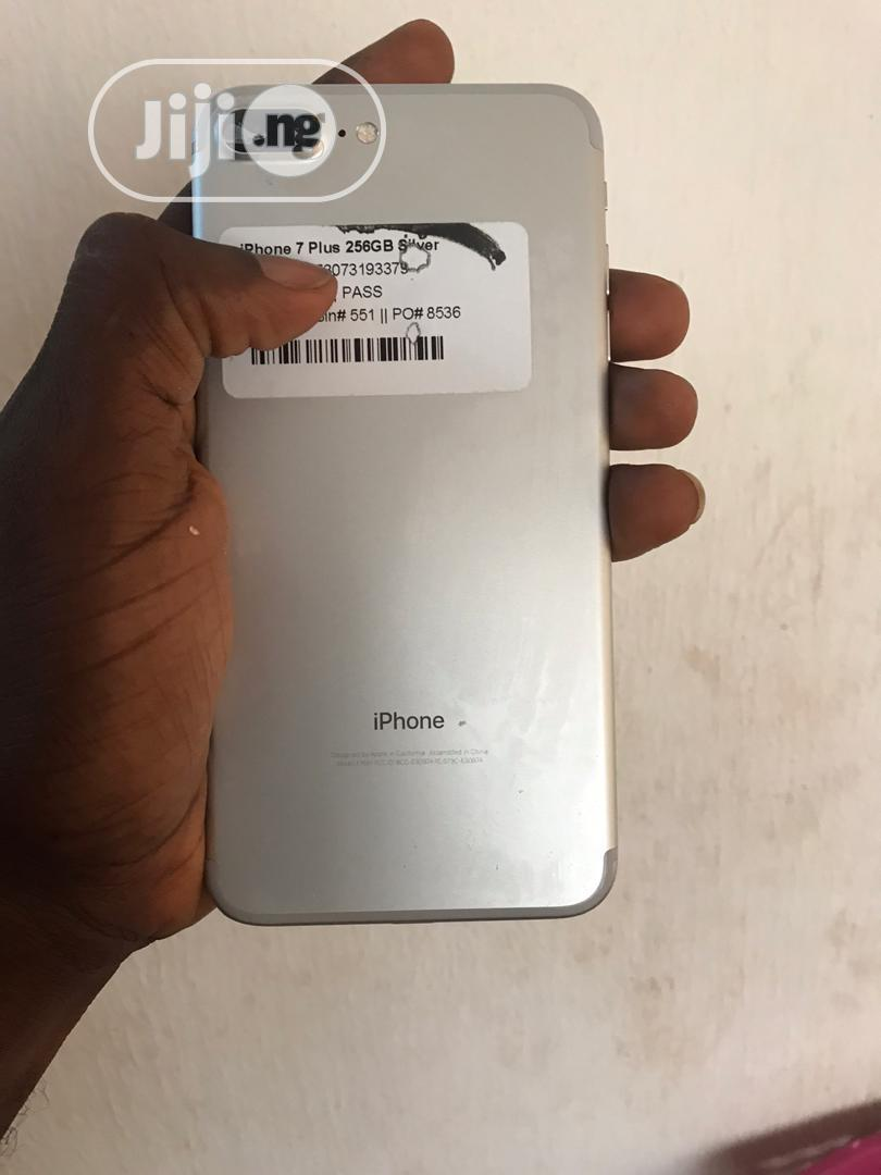Archive: Apple iPhone 7 Plus 256 GB Silver