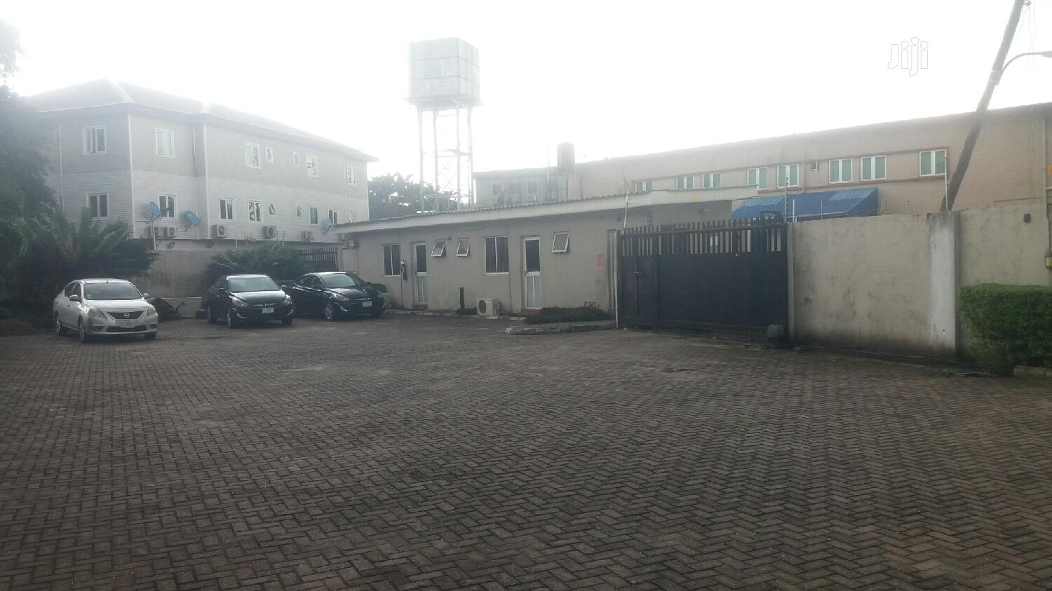 Archive: Exquisite 600sqm Office Block In Yaba For Rent