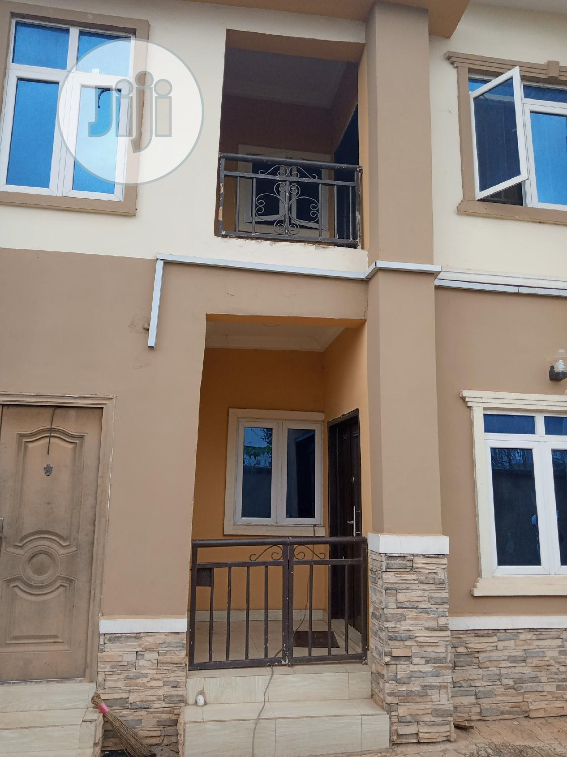 2 Bedrooms Flat @ Thinkers Conner