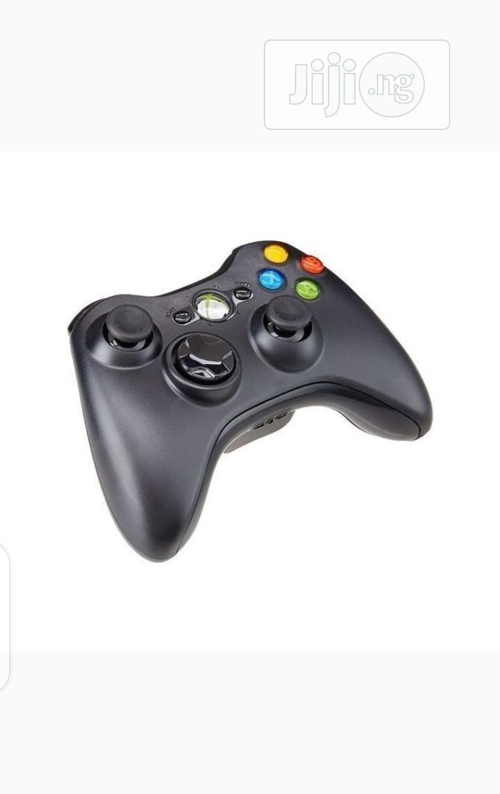 Xbox 360 Microsoft Wireless Controller Pad | Accessories & Supplies for Electronics for sale in Oshodi-Isolo, Lagos State, Nigeria