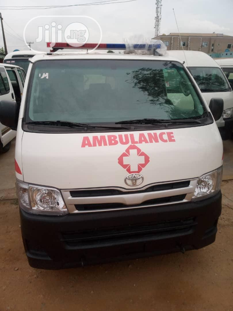 Toyota Lite-hiace 2013 White | Buses & Microbuses for sale in Maryland, Lagos State, Nigeria