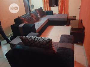 Elegant 6 Sitters L Shape Soffas With Single | Furniture for sale in Lagos State, Oshodi