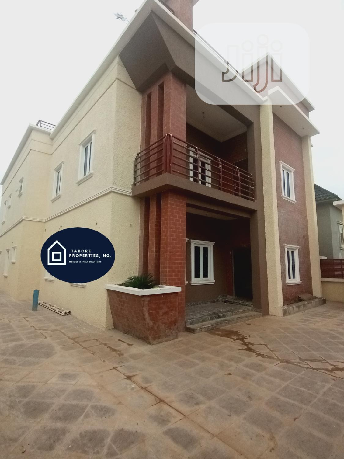 5 BEDROOM Luxury Fully Detached Duplex For Sale