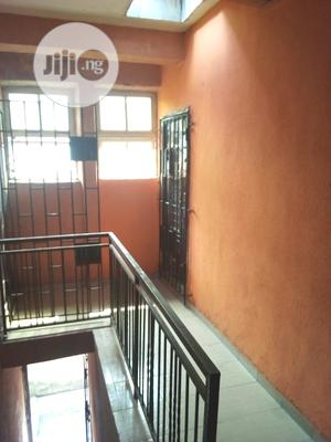 Lovely 3 Bedroom Flat For Sale   Houses & Apartments For Sale for sale in Lagos State, Surulere