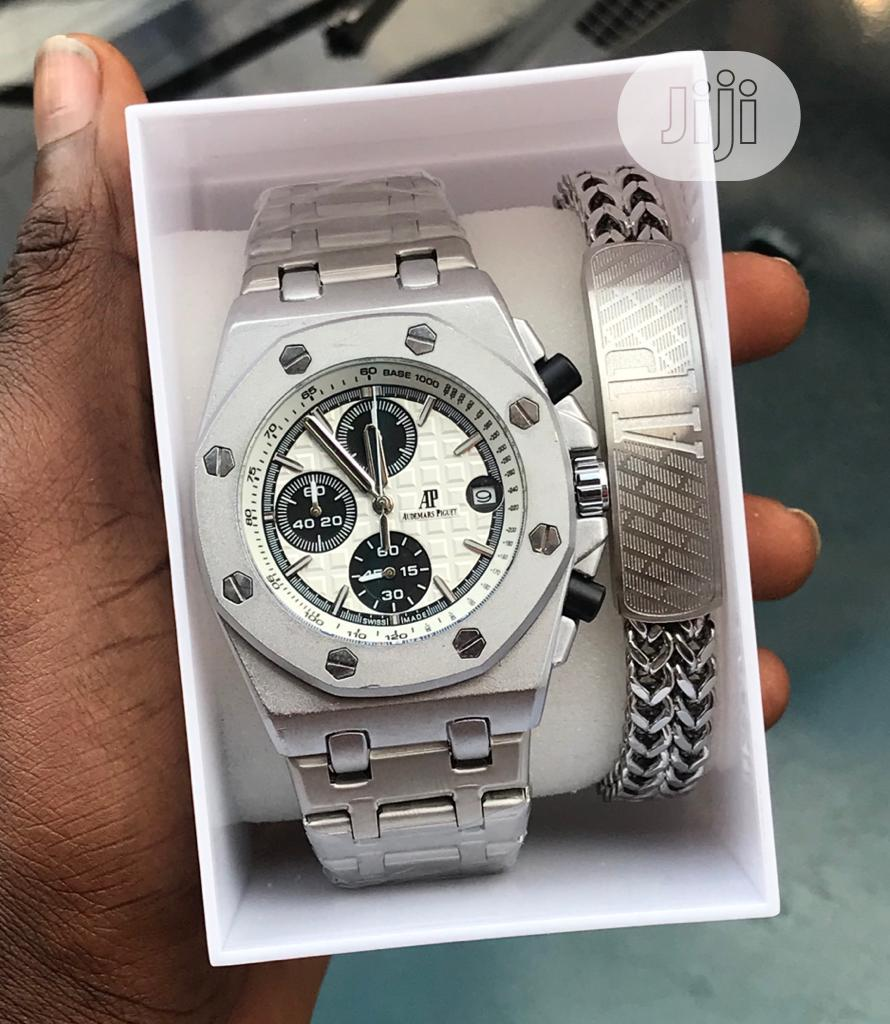 AUDEMARS PIGUET With One (1) Stainless Steel Bracelets | Watches for sale in Ajah, Lagos State, Nigeria