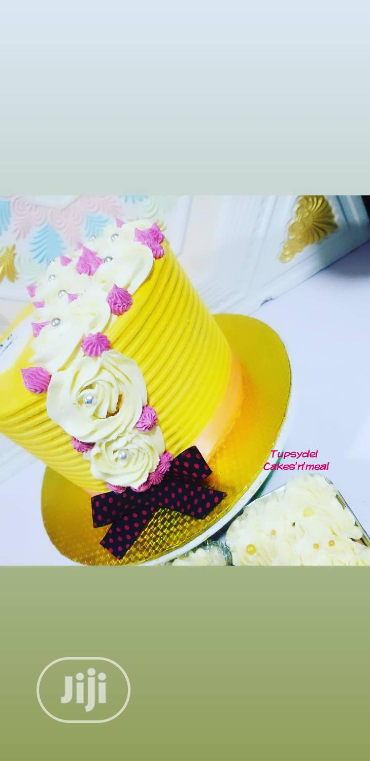 Archive: Buttercream Cake And Mini-foil Cake