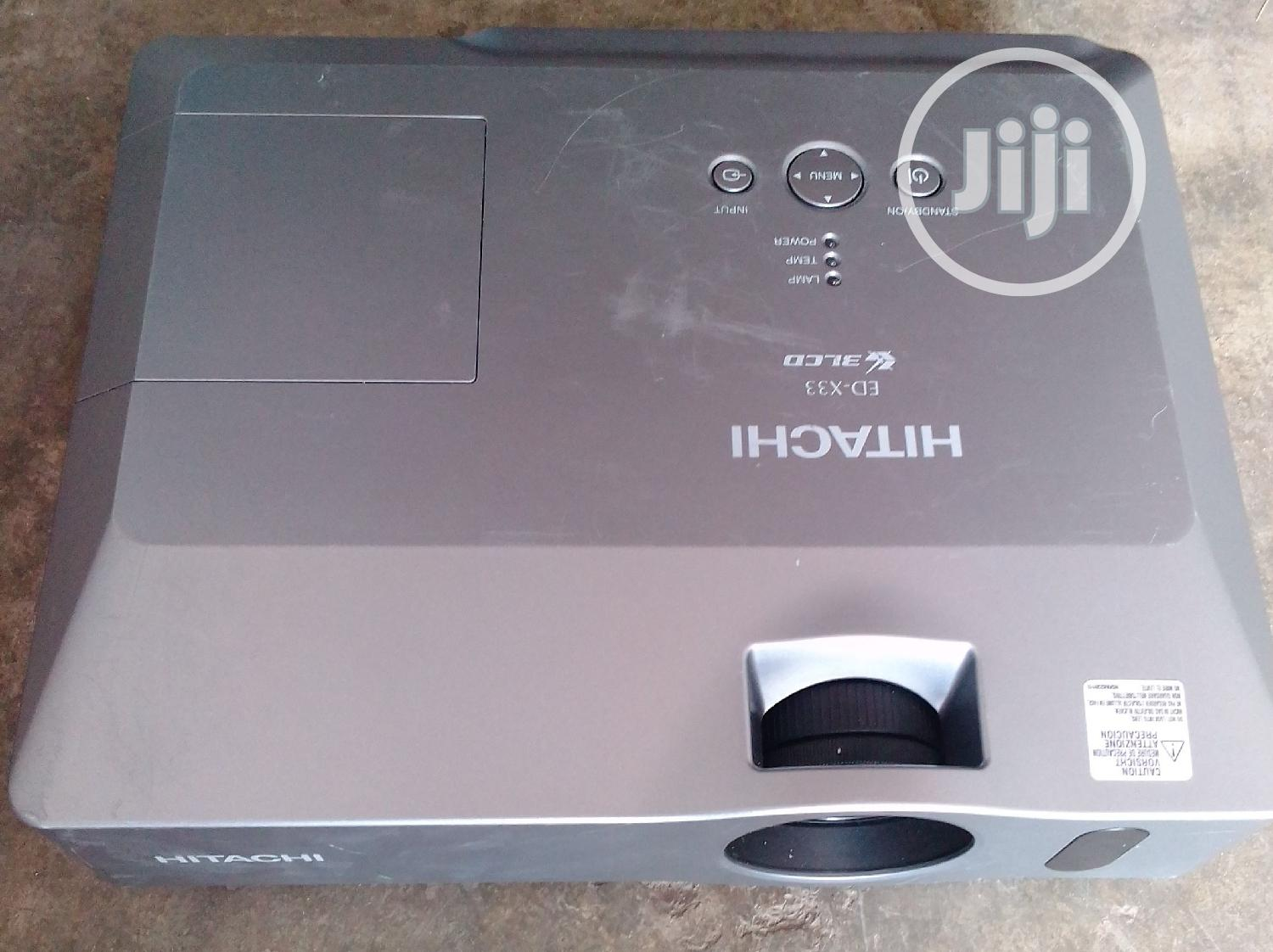 Hitachi Projector