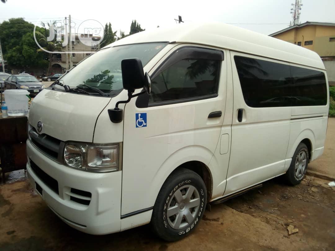 Archive: Toyota Hiace 2007