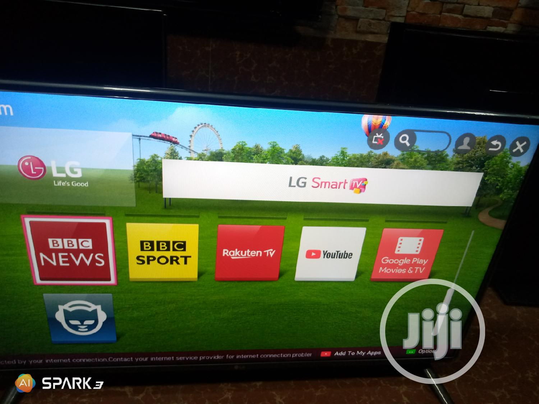 "42"" LG Smart Tv"