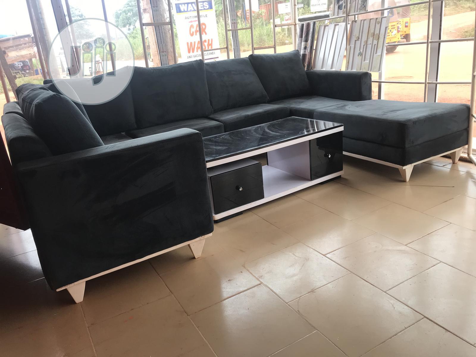 U Shaped Chair And Centre Table | Furniture for sale in Enugu, Enugu State, Nigeria