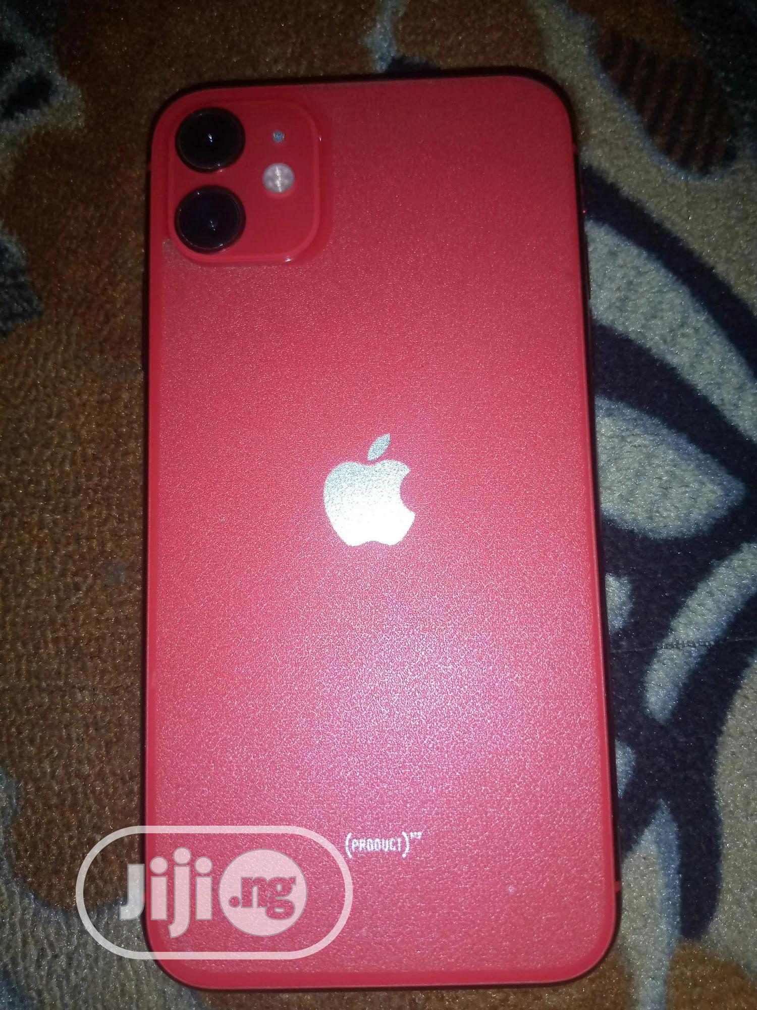 Archive: Apple iPhone 11 128 GB Red