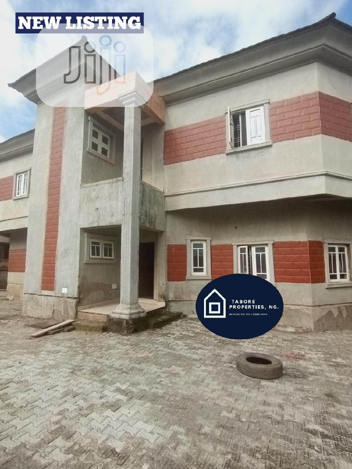 4 BEDROOM Fully Detached Duplex For Sale ❗ You