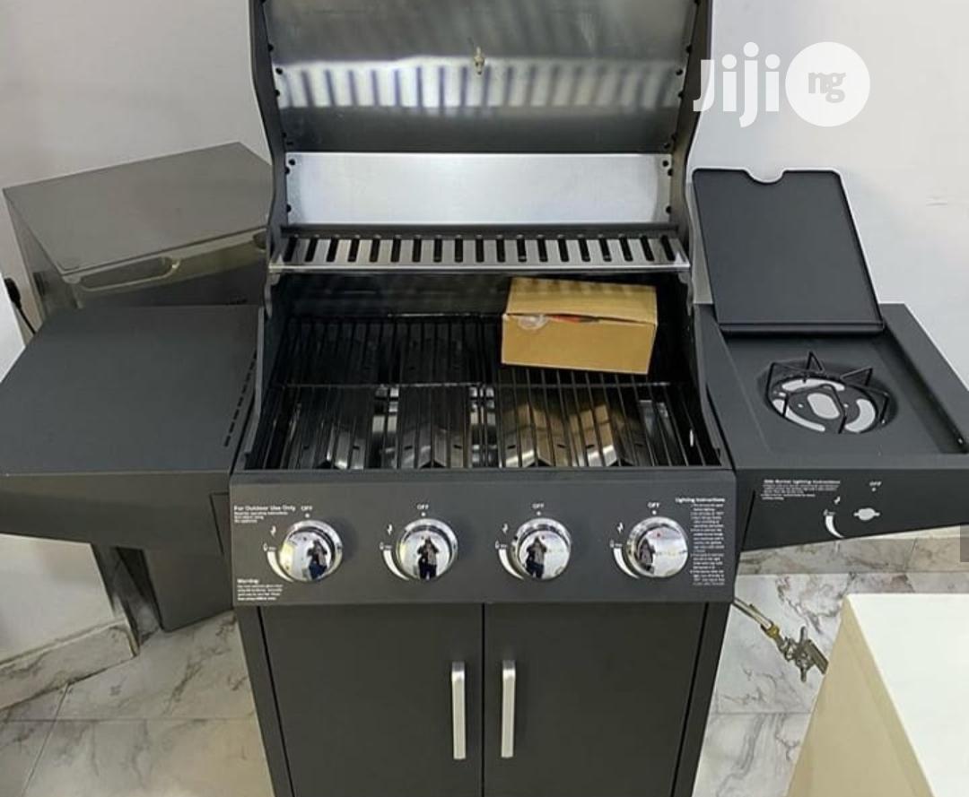 Quality BBQ Charcoal Grill