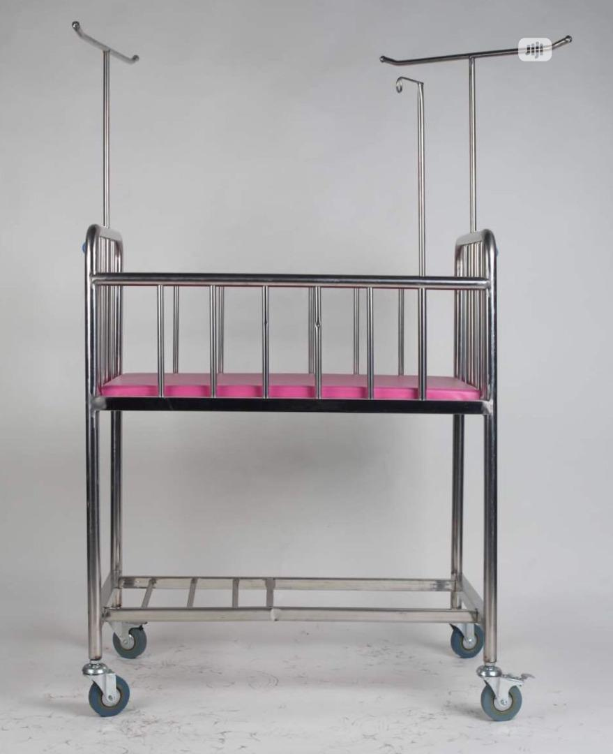 Baby Cots/ Baby Bed