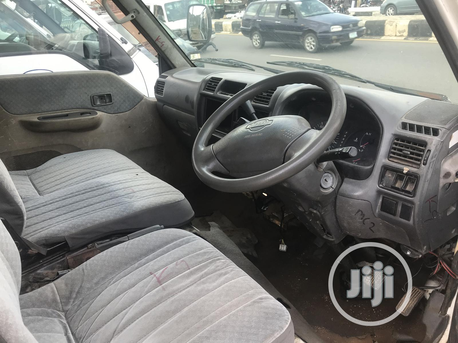 Nissan Vannet White 2003 Tokunbo Bus For Sale | Buses & Microbuses for sale in Osogbo, Osun State, Nigeria