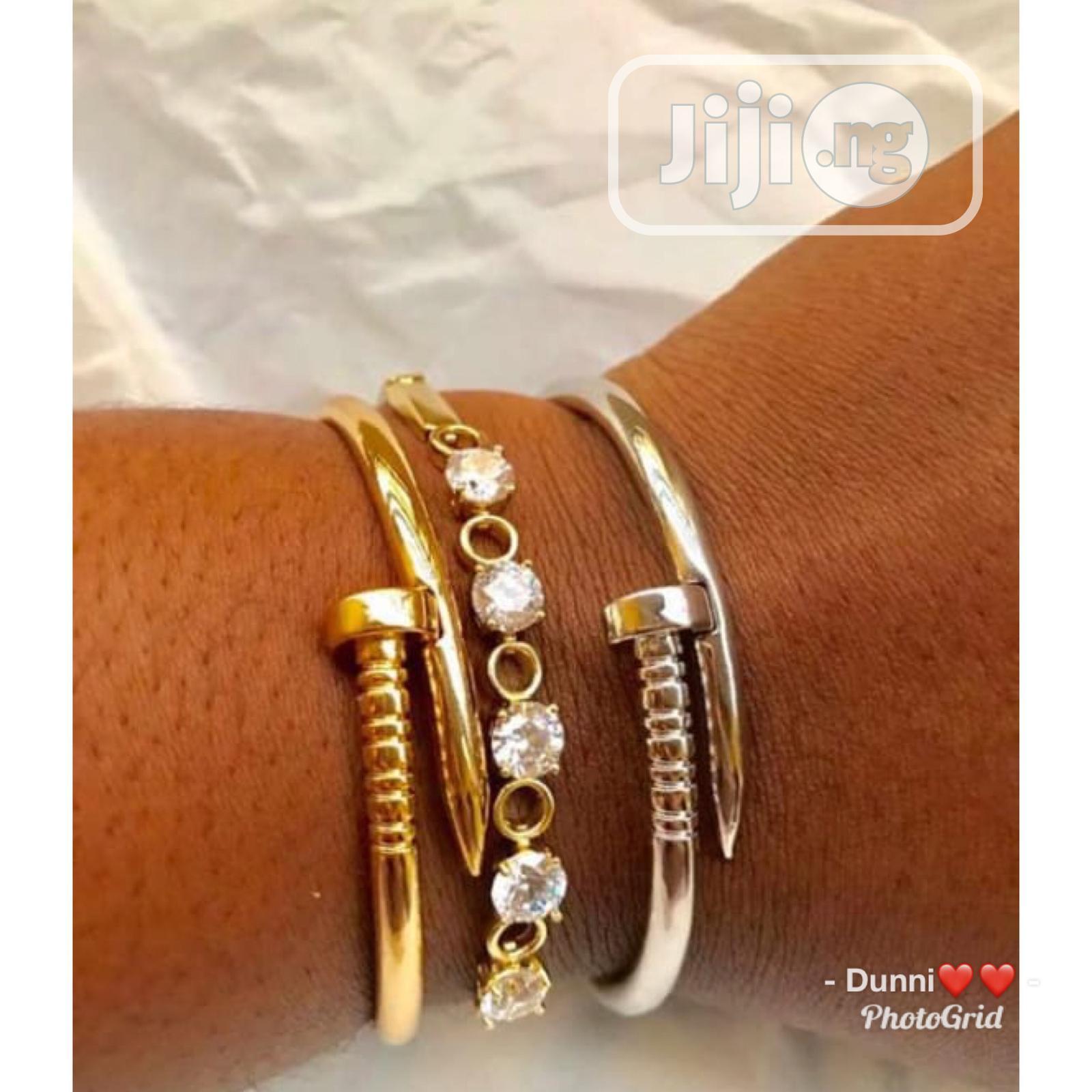 Classy Bracelet 1pc