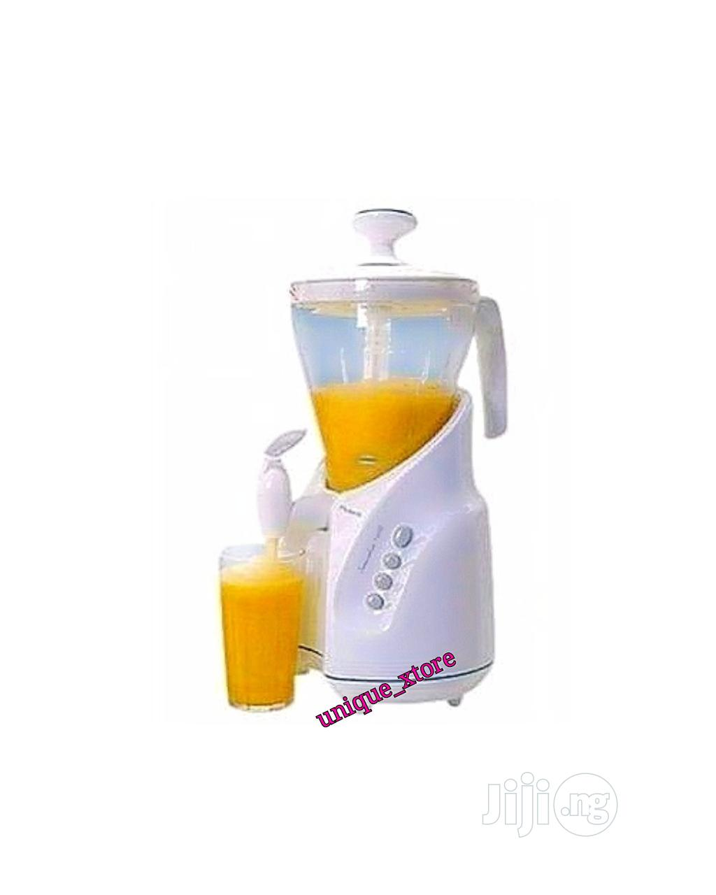 Archive: Master Chef Smoothie Blender With Dispensing Tap