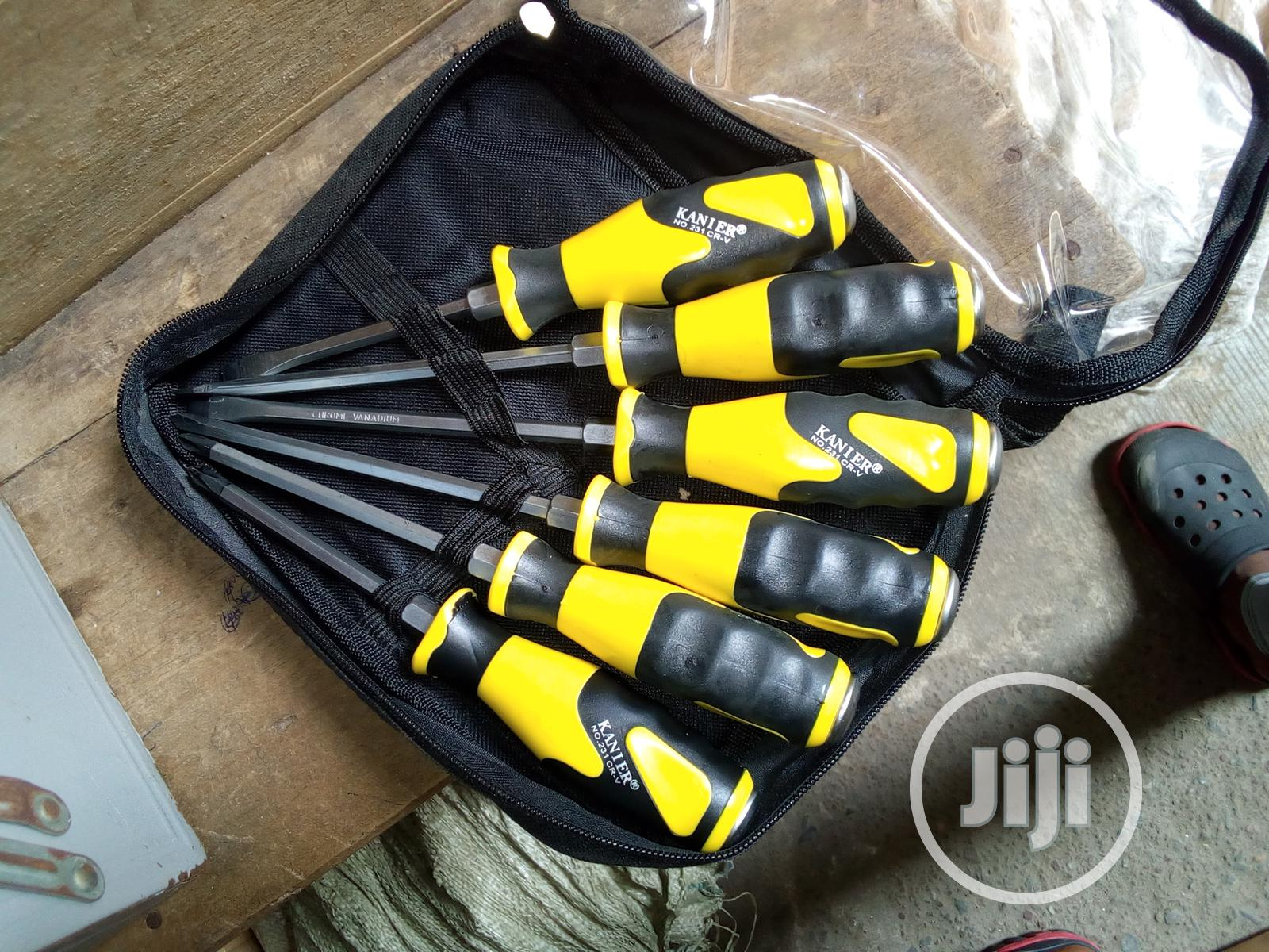 6 Pieces Set Of Mechanical Screwdriver