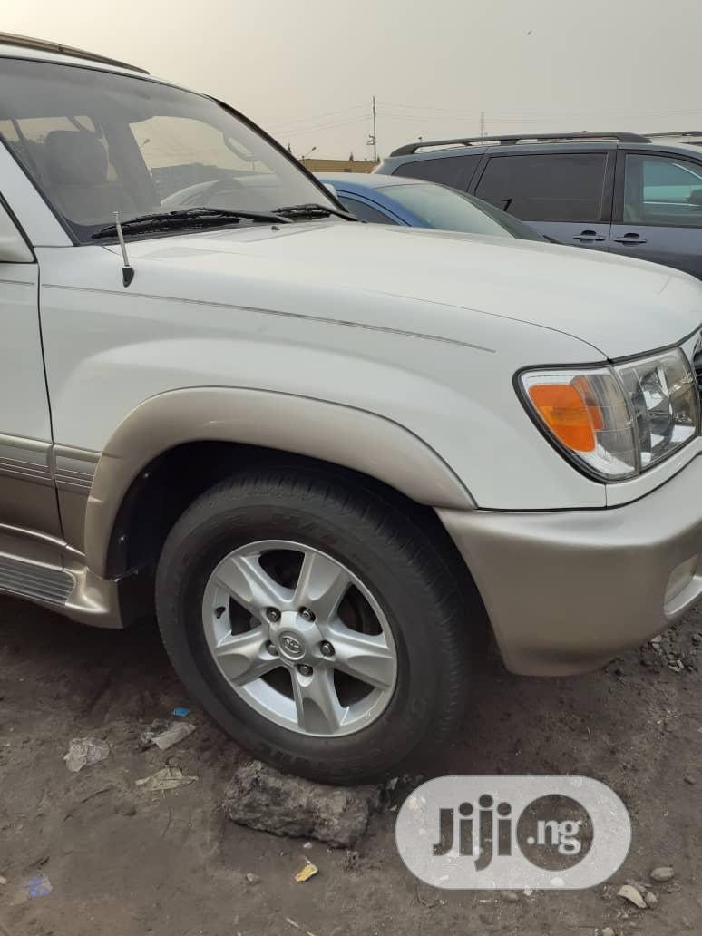 Toyota Land Cruiser 2001 White | Cars for sale in Apapa, Lagos State, Nigeria