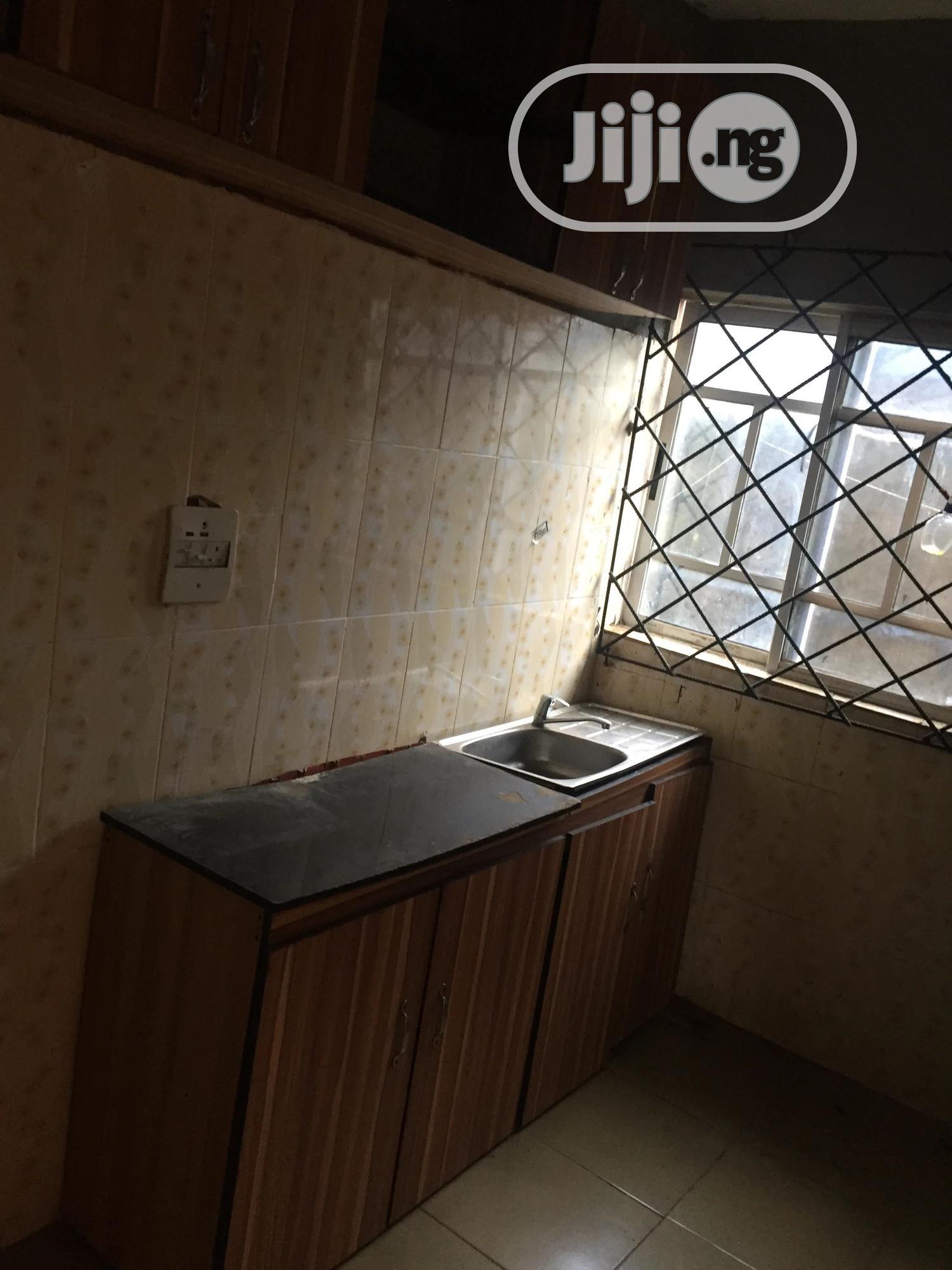 Standard Three Bedroom Flat For Rent At Oluku | Houses & Apartments For Rent for sale in Benin City, Edo State, Nigeria