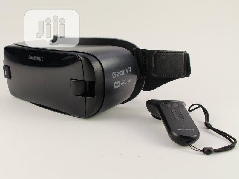 Samsung Gear VR W/Controller - US Version | Accessories for Mobile Phones & Tablets for sale in Ikeja, Lagos State, Nigeria