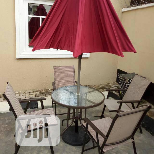 Good Quality Garden Table And Chair With Umbrella