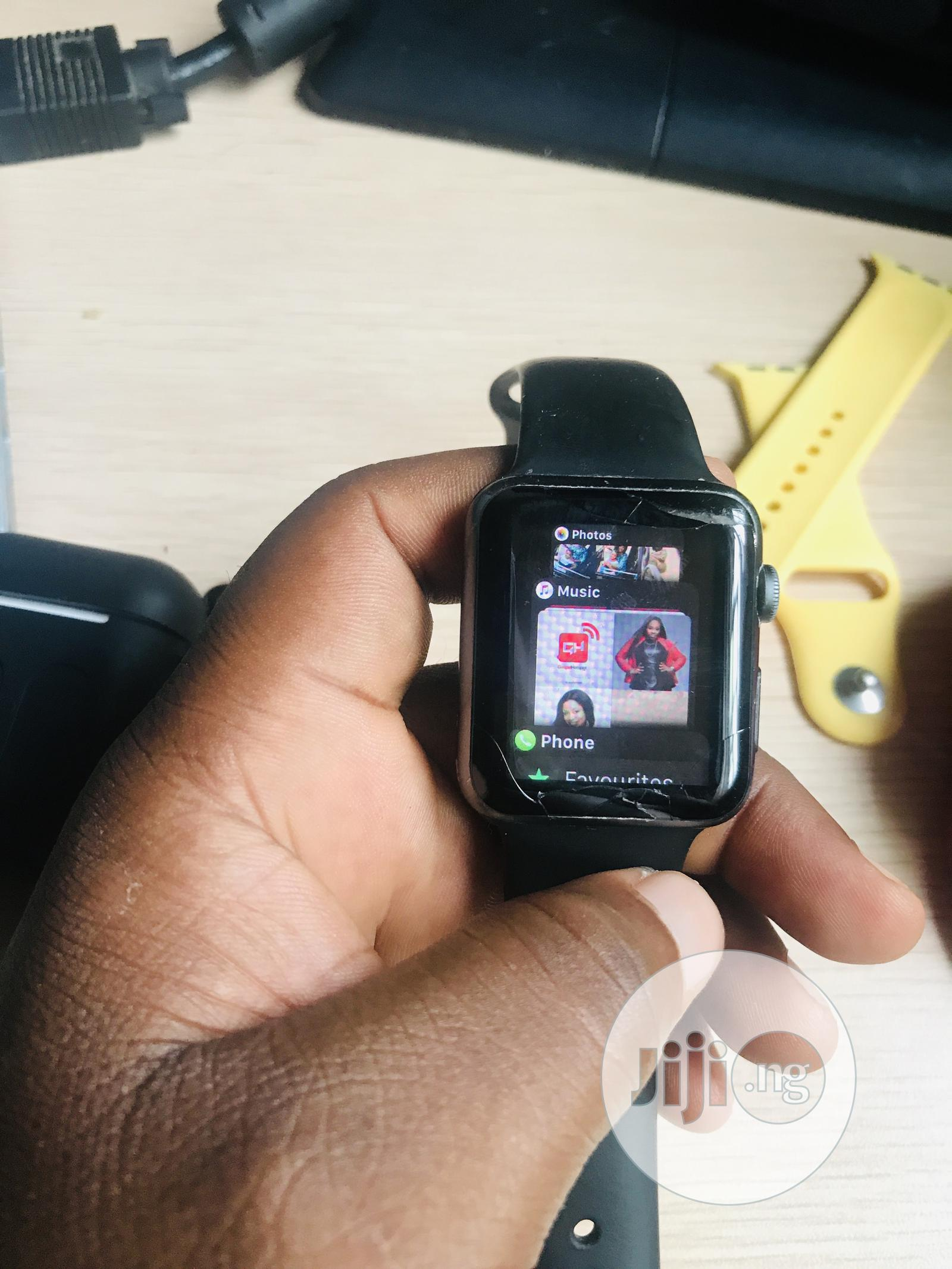Archive: Apple Watch Series 2 42mm With Charger And Extra Straps