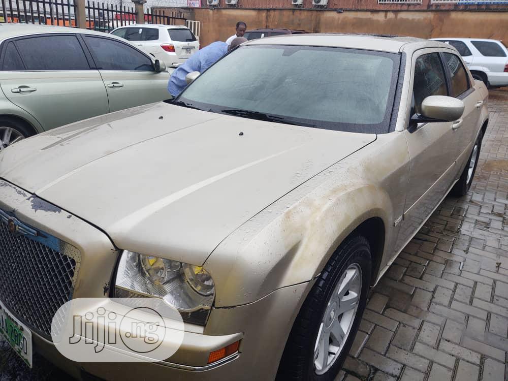 Chrysler 300C 2005 Gray