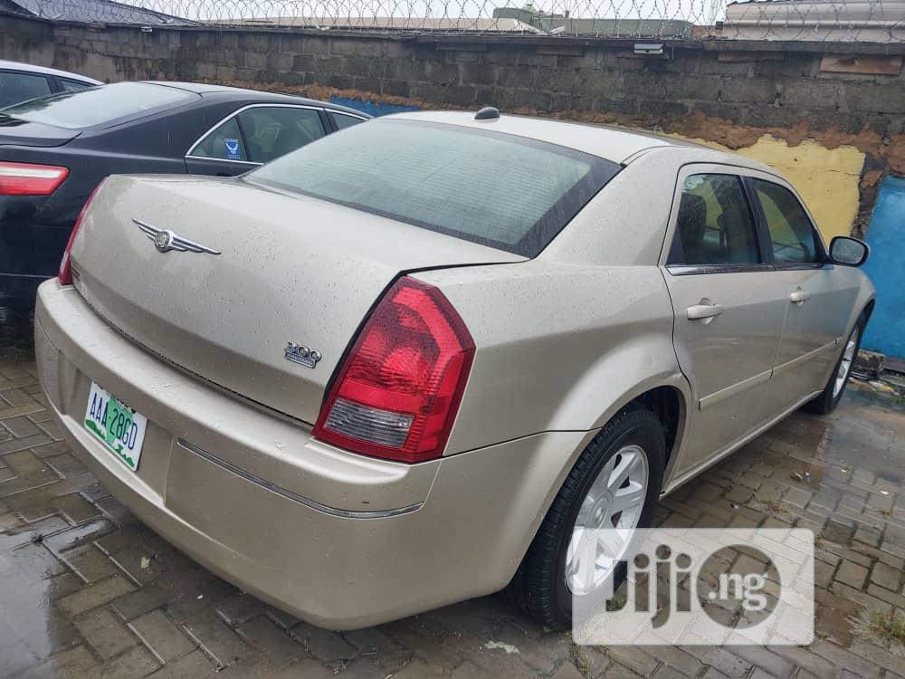 Chrysler 300C 2005 Gray | Cars for sale in Isolo, Lagos State, Nigeria