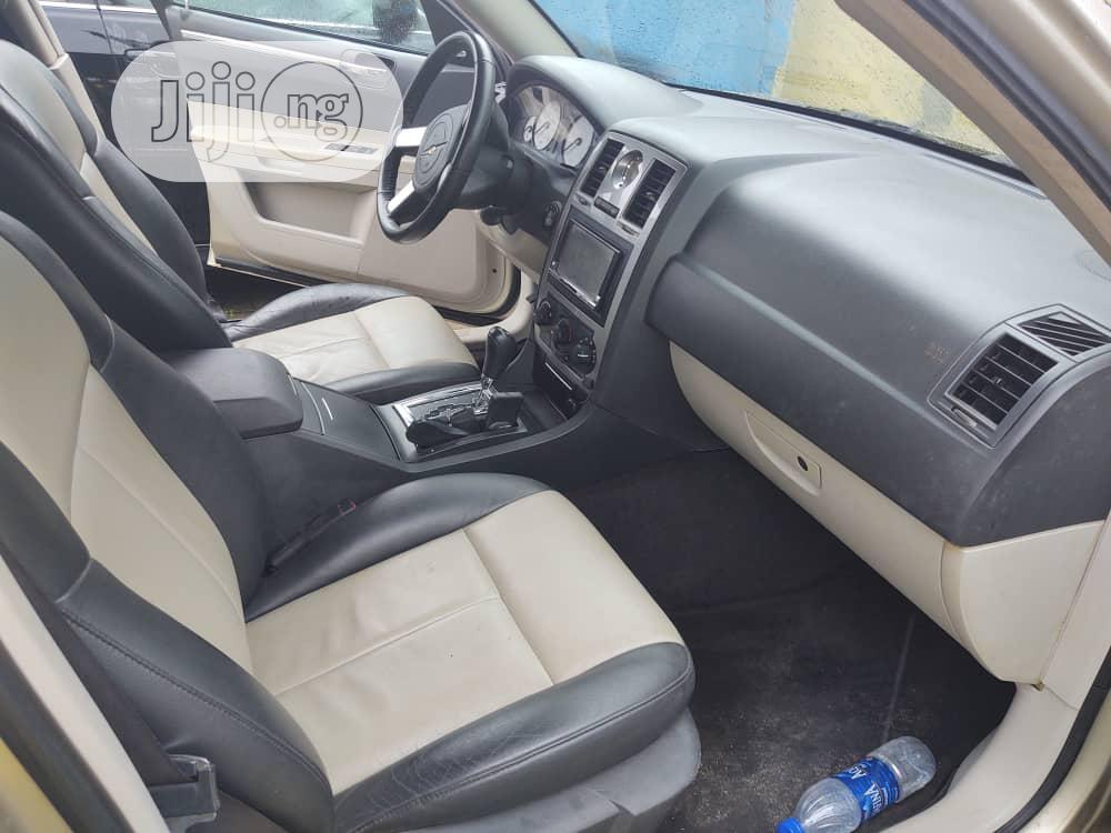 Archive: Chrysler 300C 2005 Gray