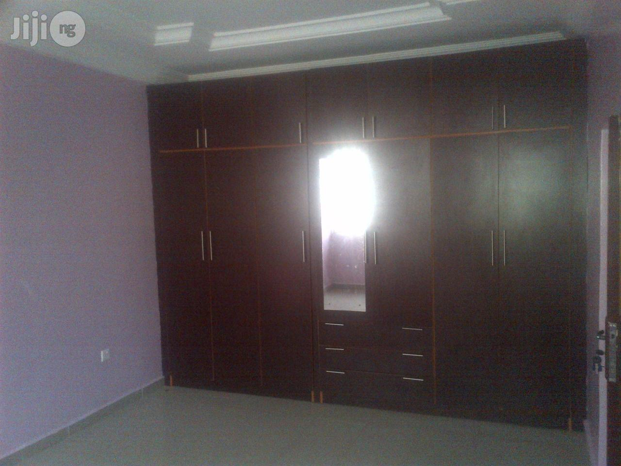 Archive: 5 Bedroom Duplex for Lease