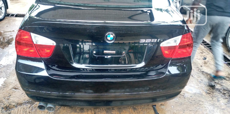 Archive: BMW 328i 2008 Black