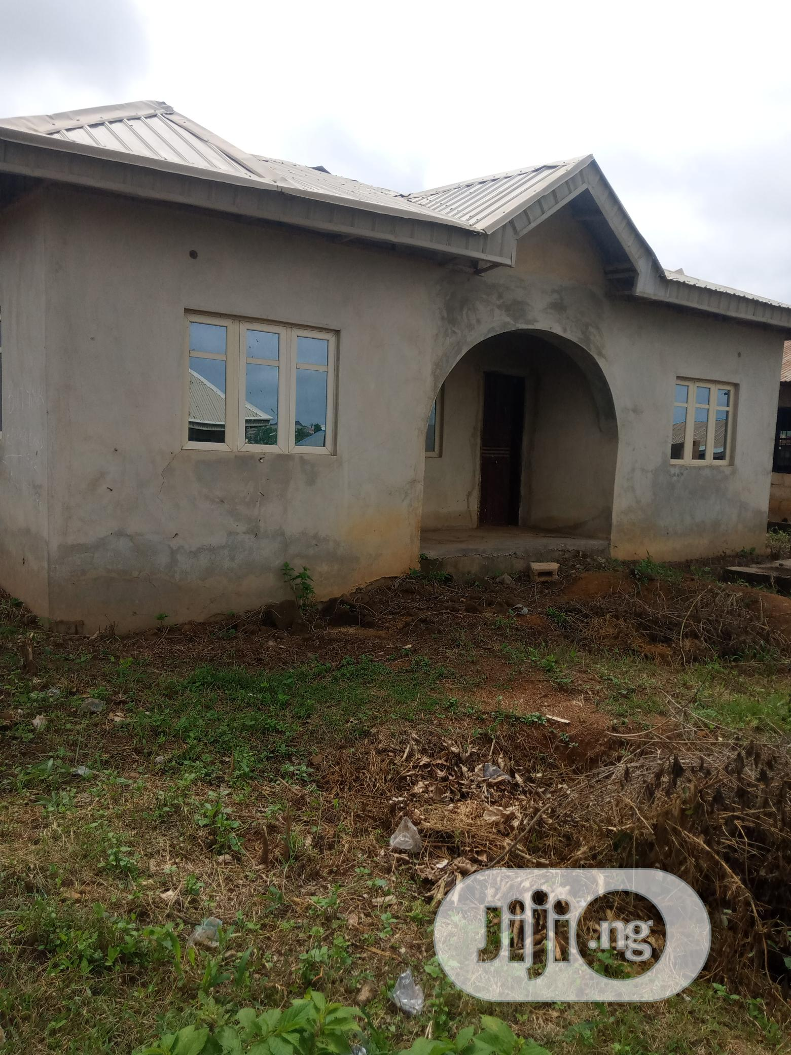 Newly Built Twin Flat Of 3bedroom At Arapaja Odoona Kekere | Houses & Apartments For Sale for sale in Oluyole, Oyo State, Nigeria