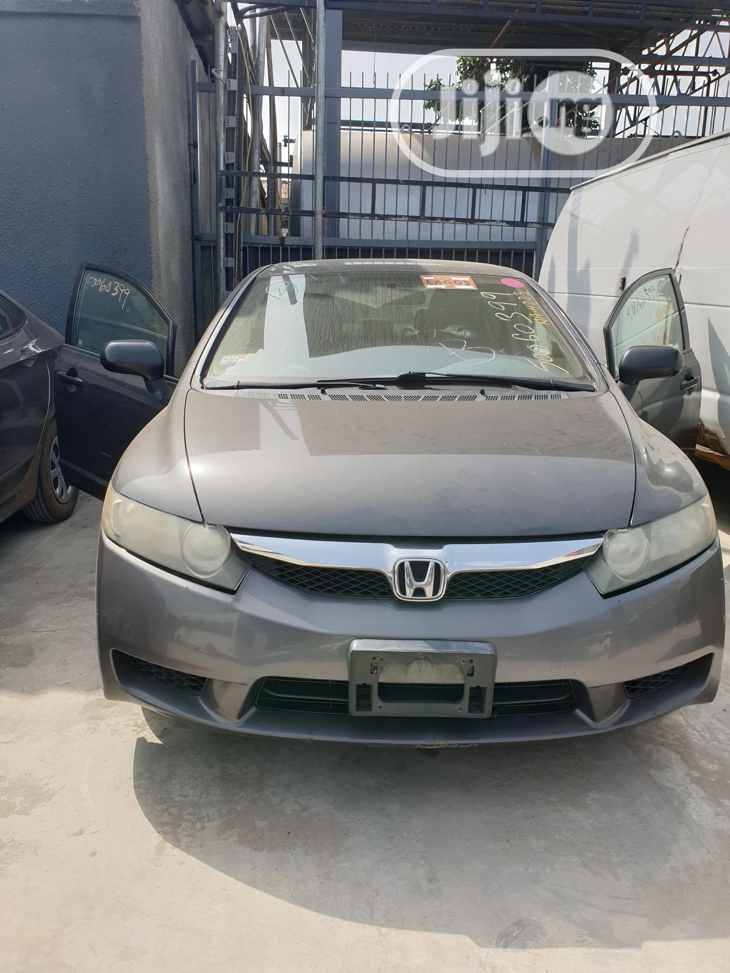 Honda Civic 2010 DX-VP Sedan Gray