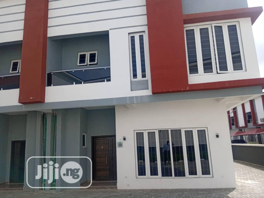 Tastefully Finished 4 Bedroom Detached House At Roxbury Home