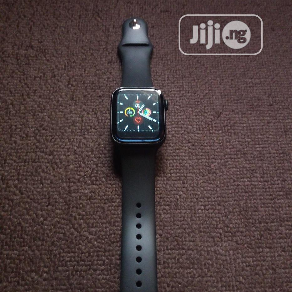 Archive: Series 4 Smartwatch