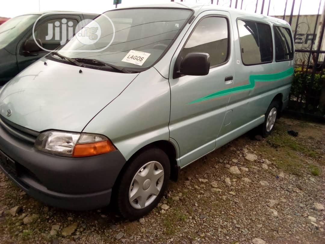 Toyota Hiace With A/C