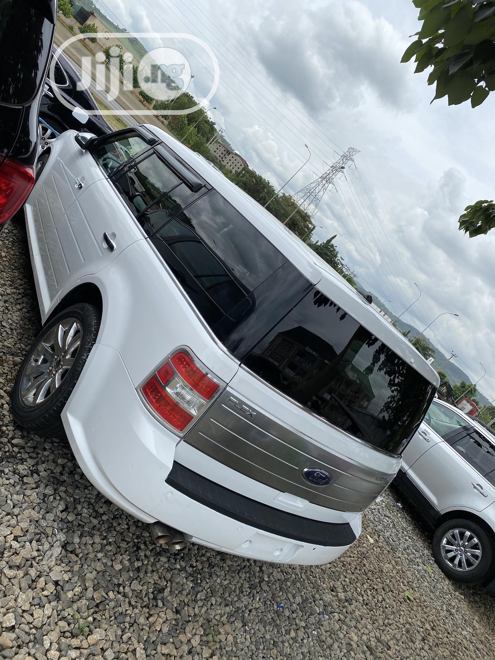 Ford Flex 2009 White   Cars for sale in Gwarinpa, Abuja (FCT) State, Nigeria